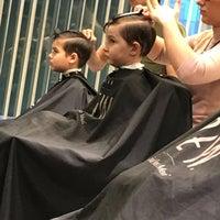 Foto scattata a Barber shop da Еленка🍒 il 4/22/2018