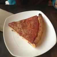 Foto scattata a Pete's Pizzeria & Bakehouse da Mayra il 3/1/2013