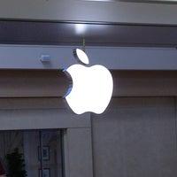 Foto scattata a Apple Haywood Mall da Suzanne S. il 6/14/2013