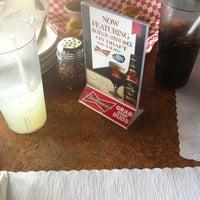 7/19/2013 tarihinde Leon C.ziyaretçi tarafından Pizza Heaven'de çekilen fotoğraf