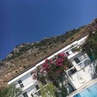 รูปภาพถ่ายที่ Poseidon Boutique Hotel & Yacht Club โดย Pınar Y. เมื่อ 7/9/2018