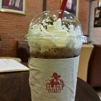 Photo taken at Black Canyon Coffee by Ningnong N. on 5/21/2017