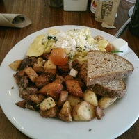 Photo taken at Kensington Café by Carlyle C. on 3/22/2013