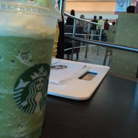 Photo taken at Starbucks by Franzk A. on 2/21/2013