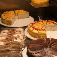 4/10/2018にDeena S.がThe Plaza Food Hallで撮った写真
