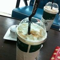 Снимок сделан в Zana's Bean Coffee пользователем Bow Za Ka S. 2/17/2013
