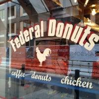 Foto tomada en Federal Donuts por Joshua el 1/21/2013