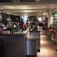 Photo taken at Starbucks by Joshua on 11/25/2016