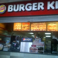 Photo taken at Burger King by Ricardo d. on 3/13/2013