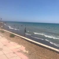 Photo taken at Flamingo 8 Plajı by Faruk K. on 8/10/2018
