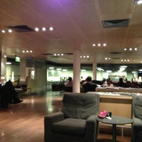 Photo taken at Star Alliance Lounge by Iwao H. on 6/13/2013
