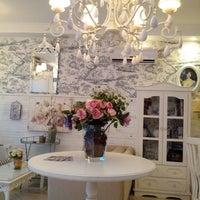 Foto tirada no(a) Saint Decor Café por Tania C. em 6/1/2013