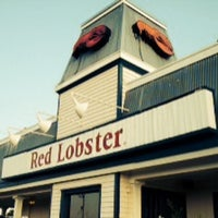 Photo taken at Red Lobster by Chulpan D. on 6/12/2014