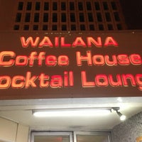 Photo taken at Wailana Coffee House by Watarucci on 3/20/2013