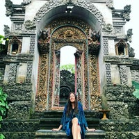 Photo taken at Ubud by Marianna A. on 4/4/2017