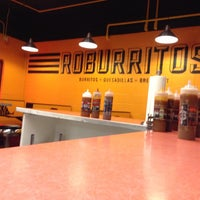 รูปภาพถ่ายที่ Roburrito's EM โดย Brandon D. เมื่อ 11/23/2012