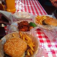Foto tomada en Rocking Burgers por Tedy A. el 6/22/2013