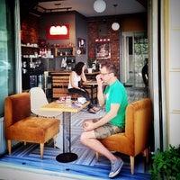 7/14/2013 tarihinde Patrick O.ziyaretçi tarafından 1 Kahve'de çekilen fotoğraf