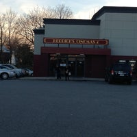 Photo taken at Clearview Herricks Cinema 4 by Rey S. on 1/7/2013
