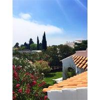 Foto tirada no(a) Rocha Brava Village Resort por Andreia S. em 8/22/2015