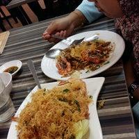 Photo taken at Restoran Cina Muslim Mohd Chan Abdullah by Sarah R. on 7/13/2017