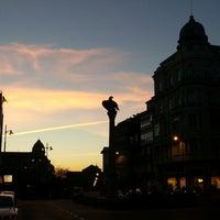 Foto tirada no(a) Praza de Santo Domingo por Alfonso P. em 12/9/2013