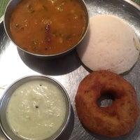 Снимок сделан в Pongal Kosher South Indian Vegetarian Restaurant пользователем Winnie F. 5/30/2018