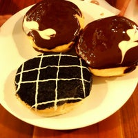 Photo taken at J.Co Donuts & Coffee by Andi Aulia R. on 12/19/2015