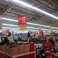 Photo taken at Carrefour by Andi Aulia R. on 12/25/2015
