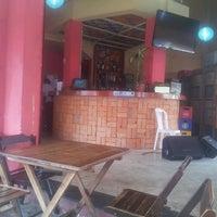 Foto tirada no(a) Marilton's Bar por Henrique P. em 4/21/2013