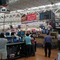 Foto tomada en Walmart por Daniel C. el 11/17/2012