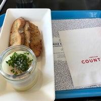 Foto scattata a Chefs Club Counter da Marissa C. il 5/11/2017