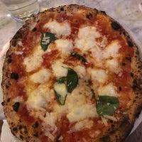 Снимок сделан в Sorbillo Pizzeria пользователем Marissa C. 1/18/2018