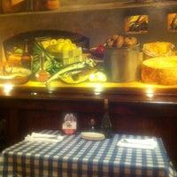 Photo taken at Italianni's Pasta, Pizza & Vino by Päu L. on 3/20/2013