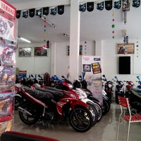 Photo taken at Yamaha Mataram Sakti by Edi K. on 12/1/2013