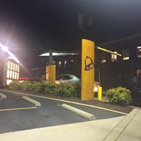 Photo taken at Taco Bell by Steven G. on 8/24/2016