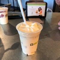 รูปภาพถ่ายที่ BurgerFi โดย Elizabeth B. เมื่อ 4/8/2018