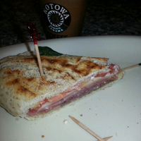 Photo taken at Grand Deli Gourmet by Emilio E. on 2/26/2013