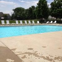 รูปภาพถ่ายที่ HSC Pool โดย Linda G. เมื่อ 5/30/2013