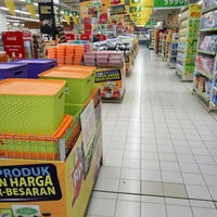 Photo taken at Giant Hypermarket by Deasy I. on 2/22/2017