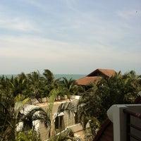Photo taken at Hua Hin Sea view paradise Condo by Jan K. on 3/30/2013