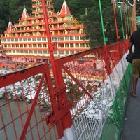 Photo taken at Lakshman Jhula | लक्ष्मण झूला by Leticia S. on 6/21/2017