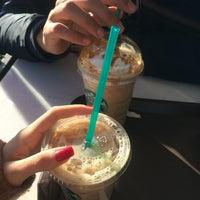 11/18/2016 tarihinde Dilâra O.ziyaretçi tarafından Starbucks'de çekilen fotoğraf