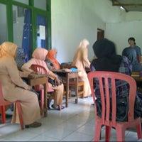 Photo prise au KUA Kec. Kendal,  Kab. Ngawi par iwan M.D T. le12/13/2012
