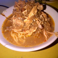 Photo taken at Mie Ayam Jamaras by yuli s. on 8/24/2013