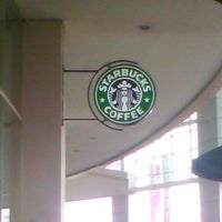 Photo taken at Starbucks by Ilman A. on 4/7/2013