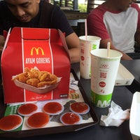 Photo taken at McDonald's by Syazwan R. on 3/23/2017