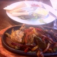 Снимок сделан в Xananas Restaurant пользователем Fardeen V. 2/26/2013