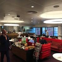 Photo taken at Virgin Atlantic Revivals Lounge by Matt N. on 11/20/2016