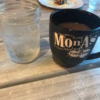 Foto tomada en Monas Fun & Food por Monica A. el 11/3/2017